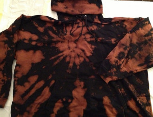 3ce33ae638b95 Tips and Techniques to Reverse Tie Dye T Shirts and More ...