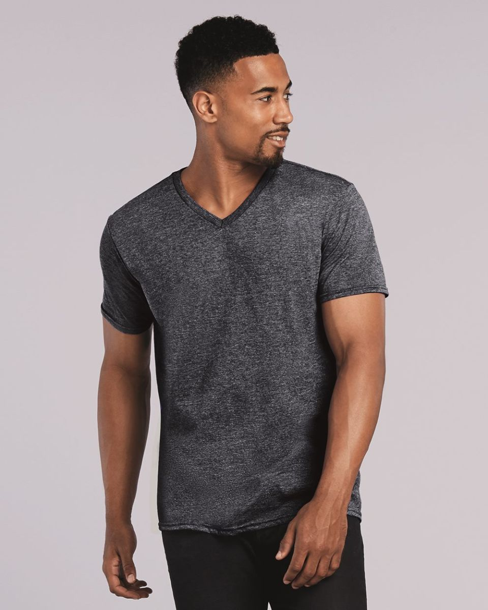 Gildan 64v00 for Gildan v neck t shirts for men